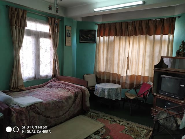 Quiet residential stay in family home. Room #2