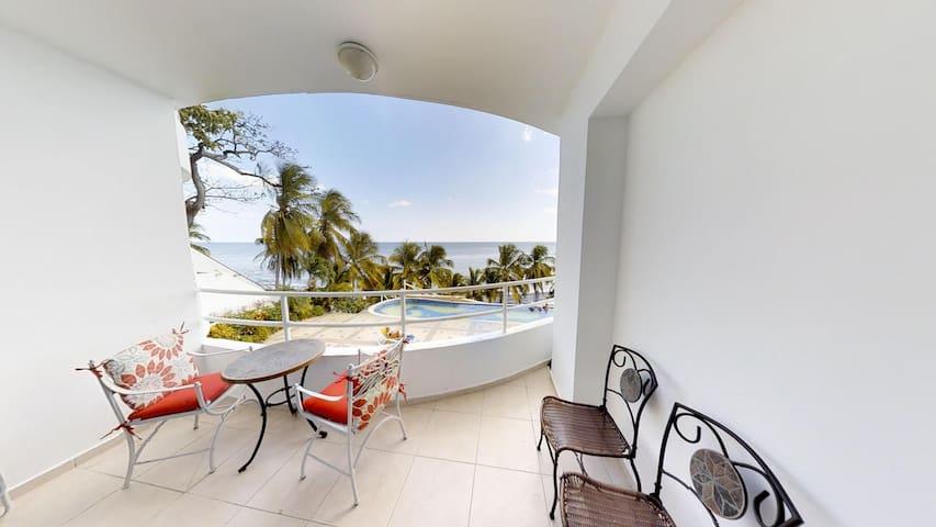 Cozy Studio Beachfront - TRUE BEACHFRONT