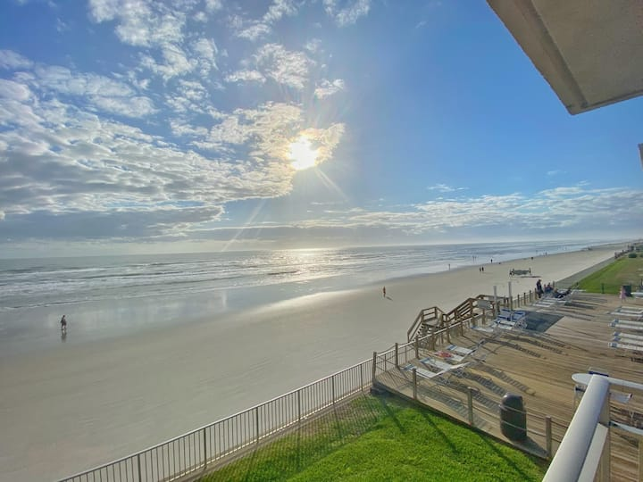 NEW! Sweeping Oceanfront Views SeaCoast Gardens 2