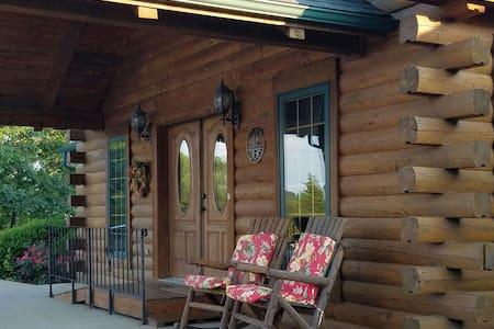 The Lodge at Broad Lea Farms Southwest room