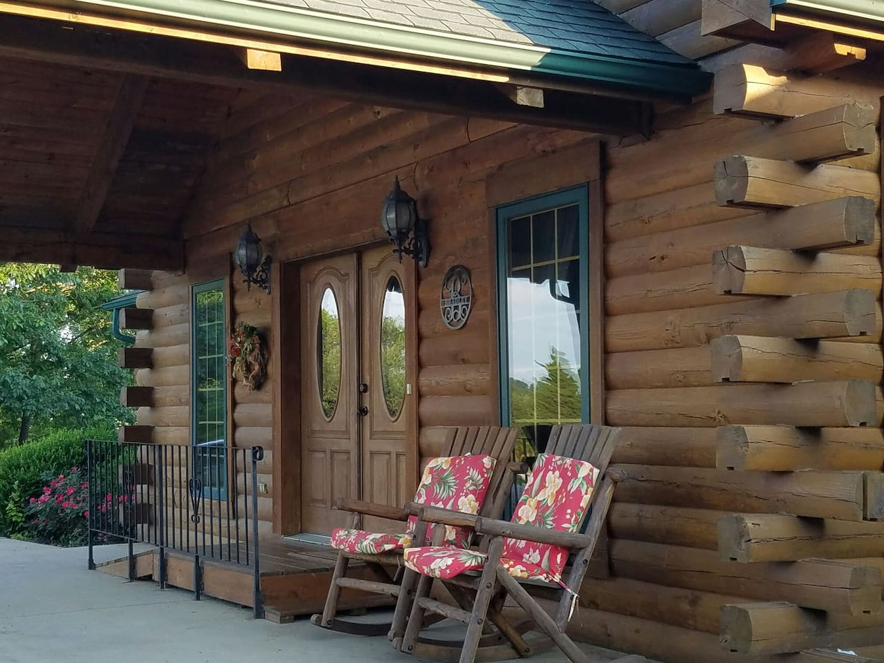 The Lodge at Broad Lea Farms front portico