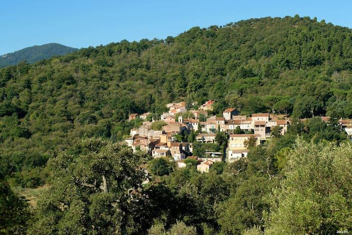 Location de charme - Les Mayons - Gjestehus