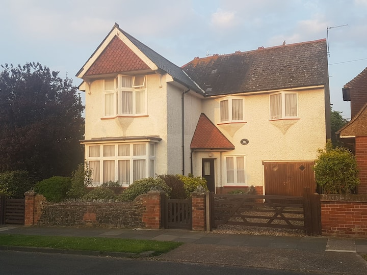 Raleigh Cottage detached 3 bed house in quiet area