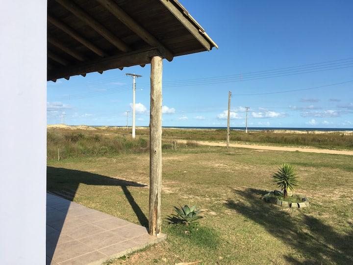 Eco Casa frente ao mar! Simples assim!