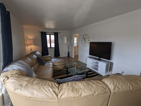 Cozy, warm home space near Concordia and MSUM!