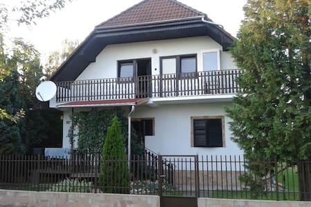 Nyaralás Balatonmáriafürdőn - Balatonmáriafürdő - Villa