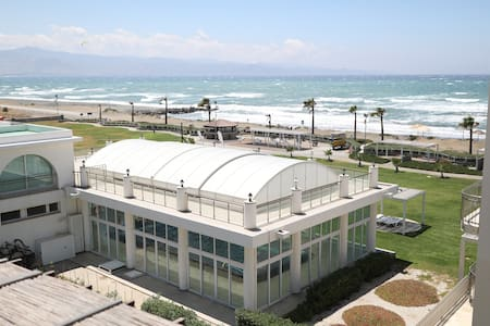 Beachfront Seaview 2-Bedroom Penthouse (Пентхаус)