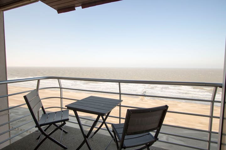 Stunning seaview apartment for 4 people