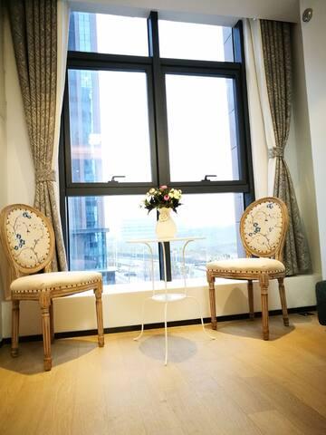 新街口、夫子庙15分钟内,南京南站10分钟内的地铁口高档公寓《我的小屋》