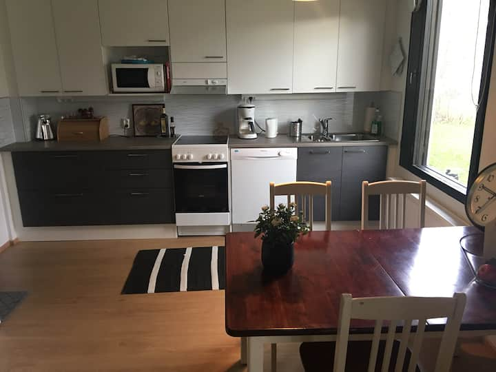 Private room in townhouse near center in Kajaani