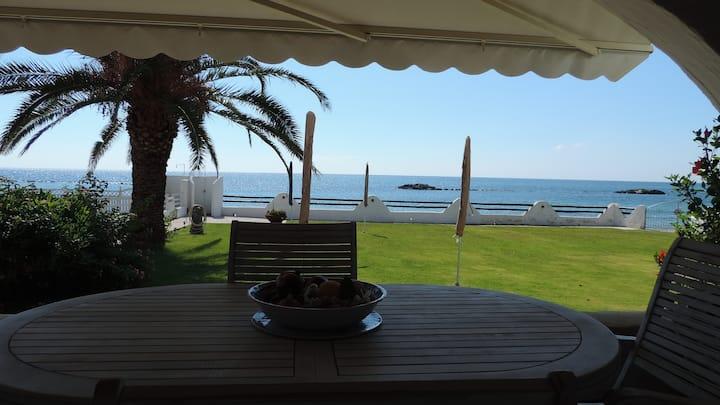 Casa Fronte Mare con ingresso privato in spiaggia.
