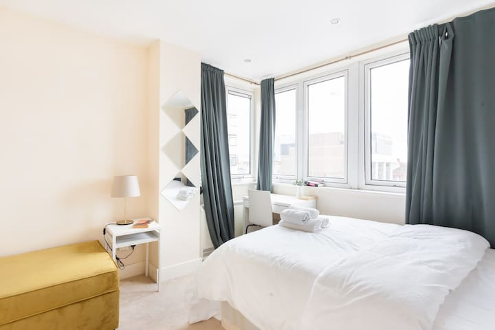 Airy Room View Stunning London Views