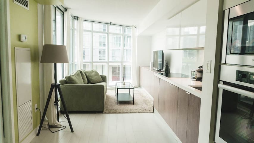 Modern Styled Suite by CN Tower & Rogers Centre