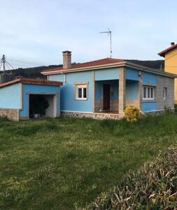 Casita de Piedra y Marmol de 1 planta en Meruelo - Cantabria - Dům