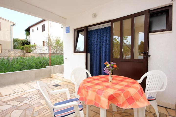 Studio flat near beach Vinišće (Trogir) (AS-10006-a)