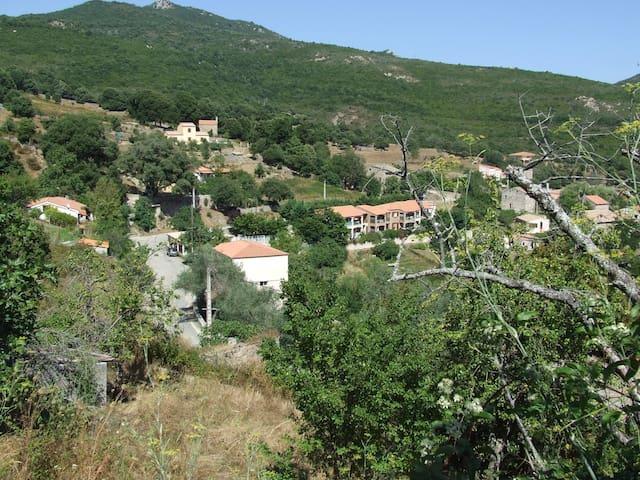 Séjour dans un village entre mer et montagne