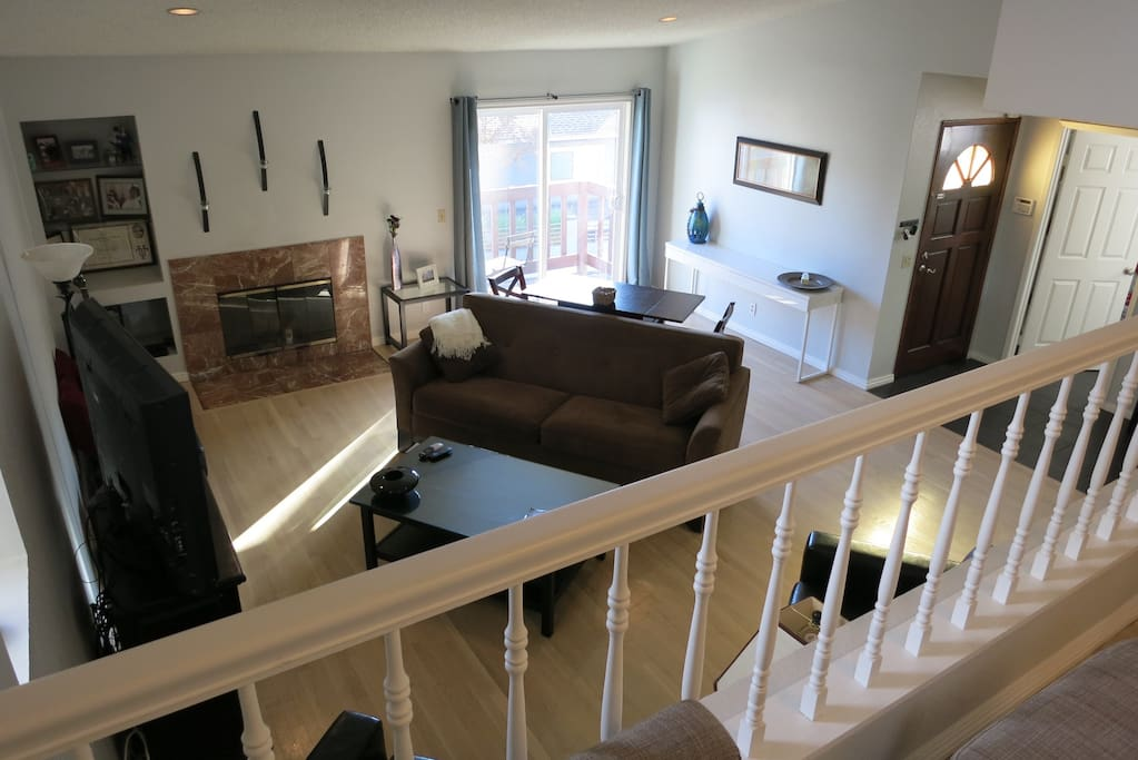 Downstairs Living Room w/ small front porch