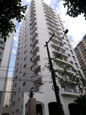 Apartamento 'a 100m da praia de Pitangueiras
