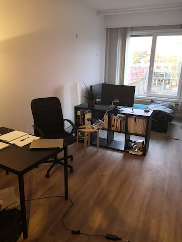 Studio ideal for a working professional