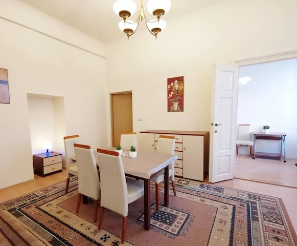 Nice Apartment - 5 min to Main Square