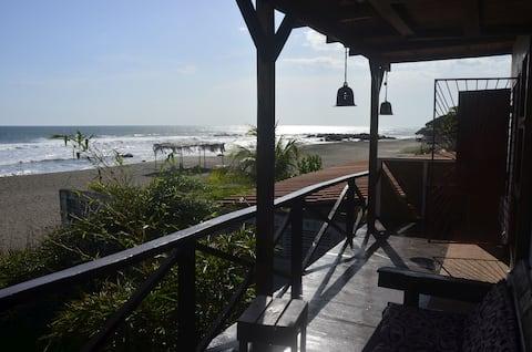 """""""Casa del Mar"""" right on the Ocean in Las Peñitas"""