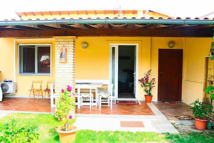 Ingresso casa e veranda