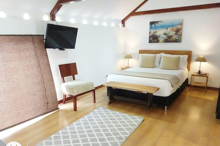 ♥️ Loft San Antonio! AC- Balcony-Backyard-100Mbps