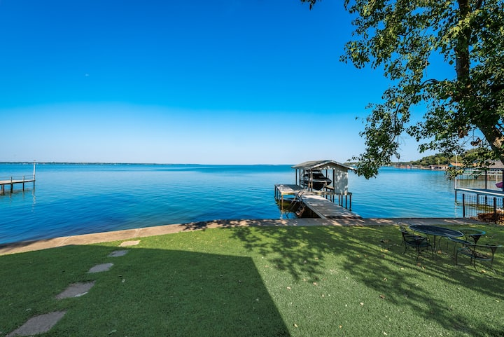 Wide Open Waterfront-Sleeps up to 14