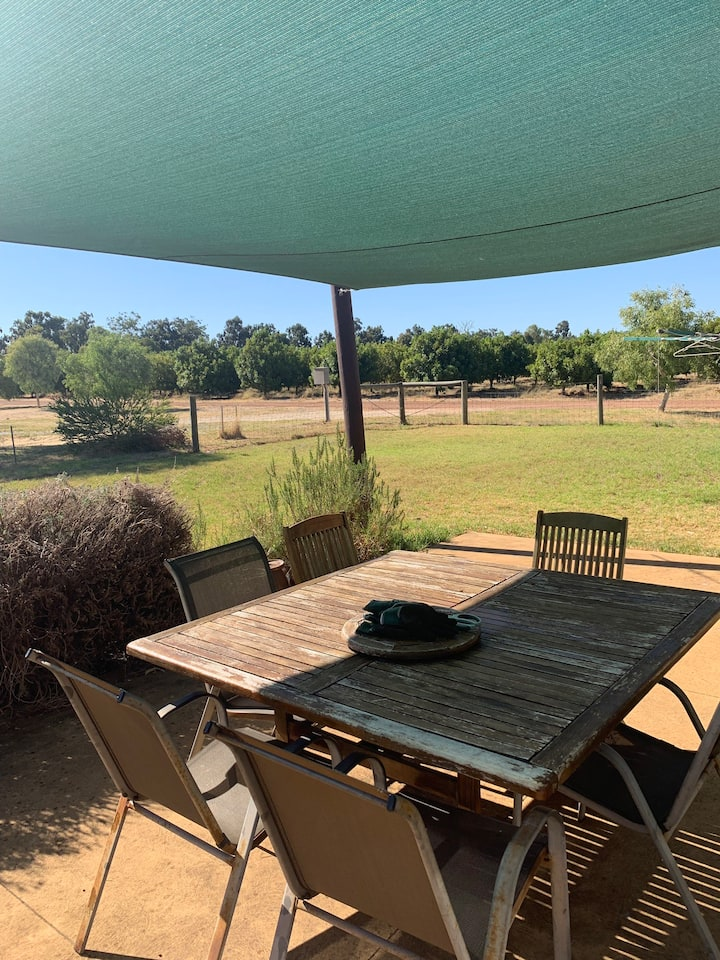 Serene farmstay hour from Perth 250