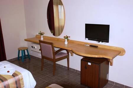 Gökçeada Sörf Eğitim Merkezi & Oteli - Gökçeada - Bed & Breakfast