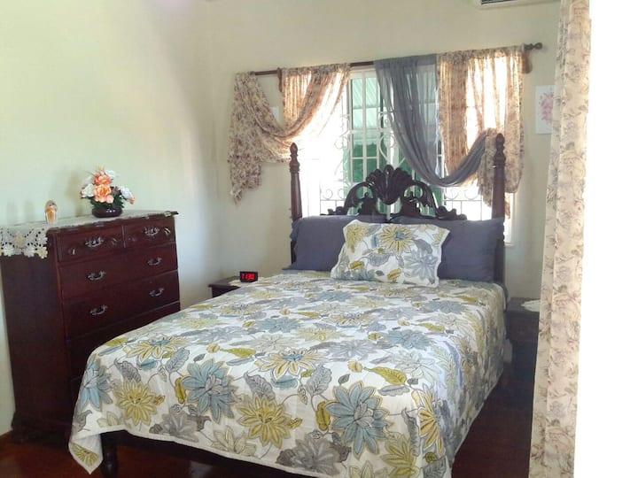 Scenic Cozy One Bedroom Apartment.