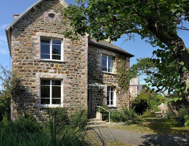 Maison lumineuse avec jardin/ prox. Golf et Plages