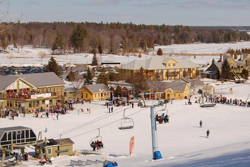 SKIING AT CALABOGIE RESORT 2 minutes drive from Chalet
