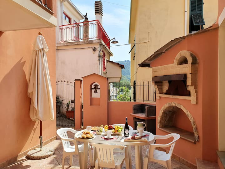 La Bottega del Fabbro: Terrace, Gazebo and BBQ