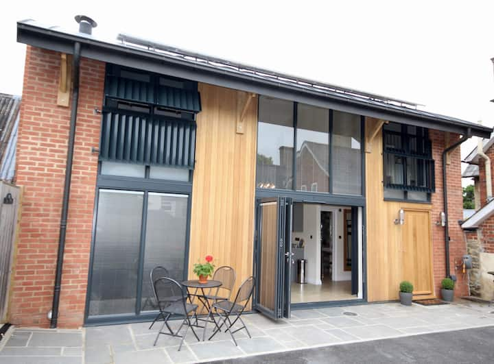 The Dutch Barn - a 2 bedroom  barn conversion