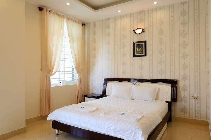 Vung Tau Villa Ali8B has 5 bedroom with comfortable beds