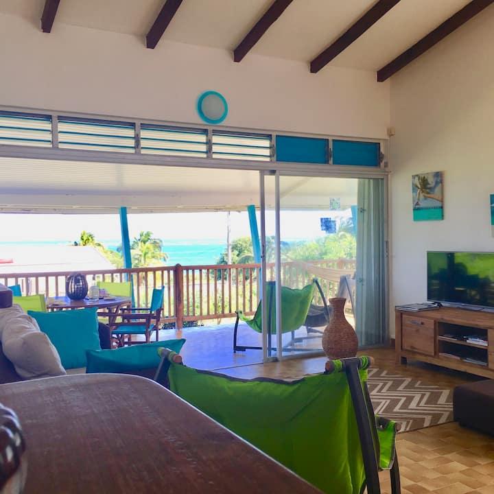 A 2 pas d'une plage ,Villa face à la mer jolie vue