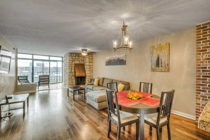2 BR condo in heart of LoDo with great amenities