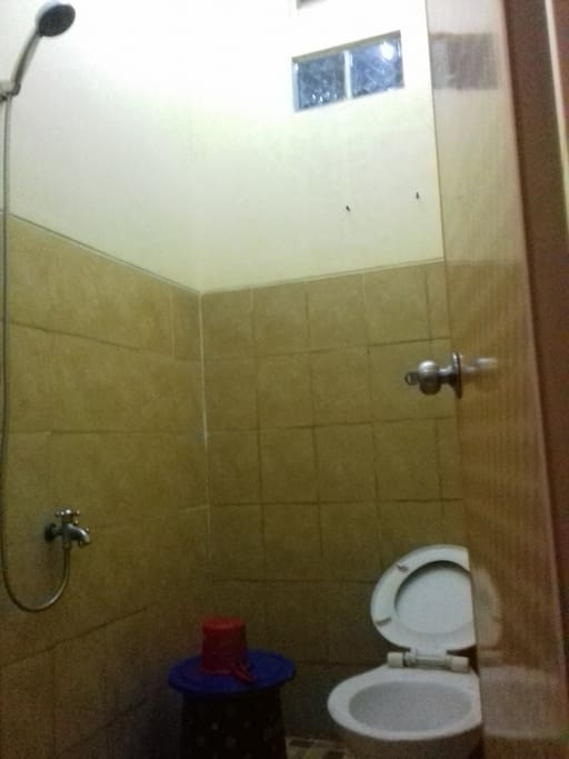 Privete toilet, Shower, toilet sit,