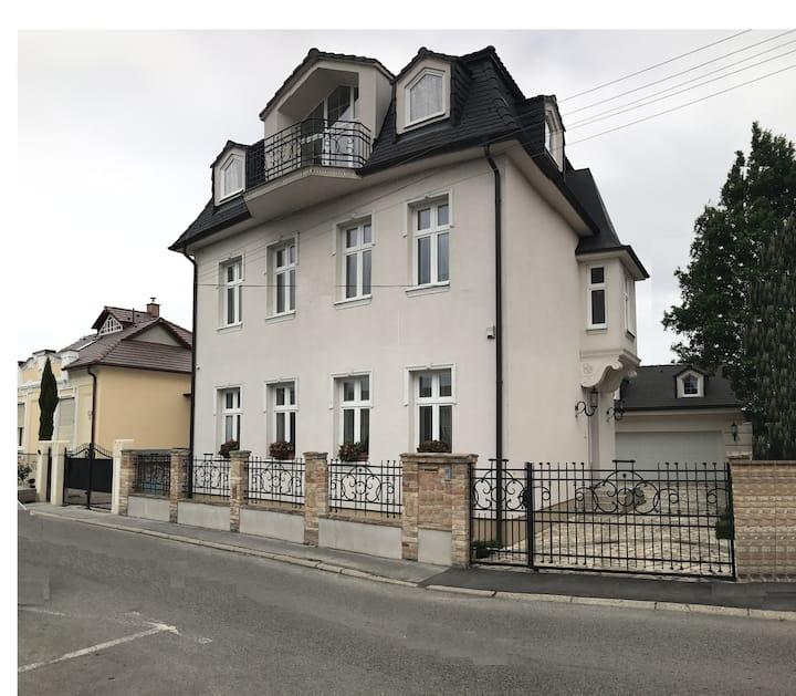 Villa Garden, Kulačská 2, Dunajská Streda 92901