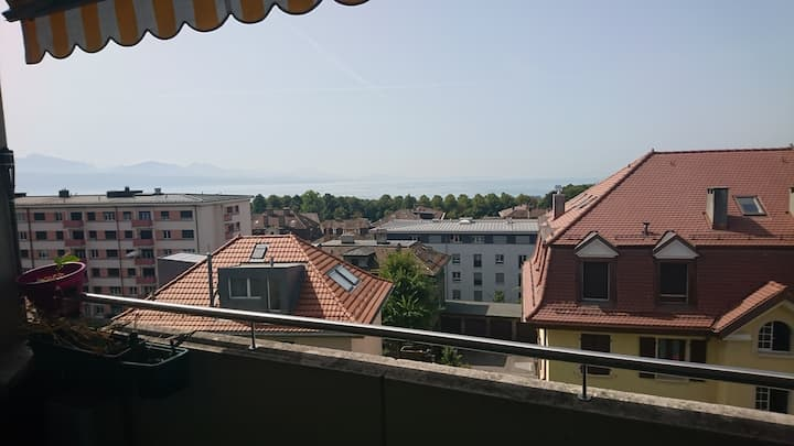 Lausanne chill with lake view