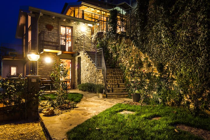 charming stone house   Breva - Blevio - Lägenhet