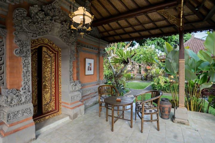 Puri Anyar Heritage - Yama Room