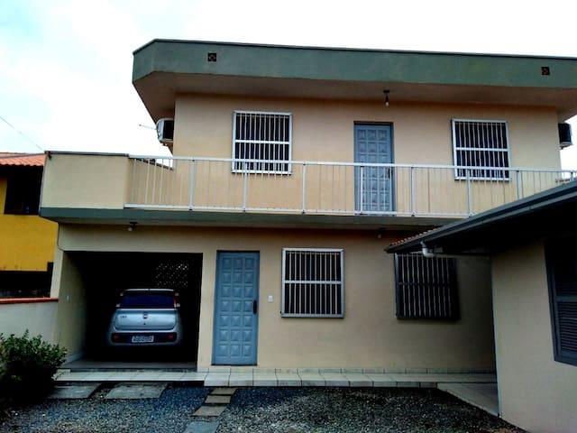 Frente da casa - front of the house.
