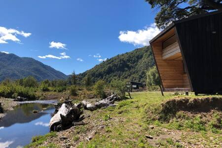 Amazing riverside retreat