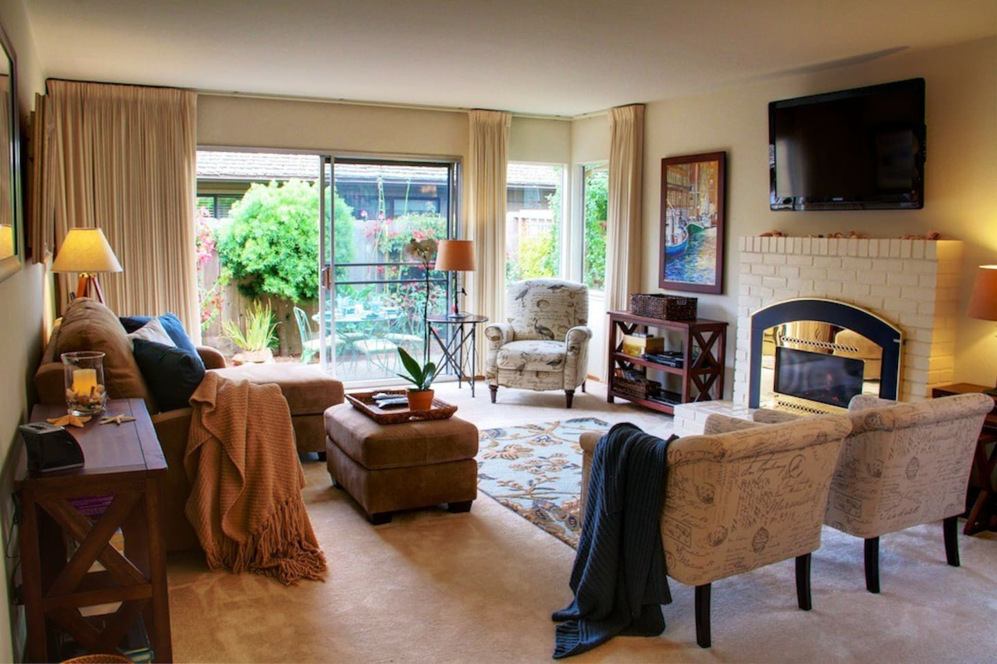"""Welcome to """"Sea Breeze""""! Beautifully remodeled and professionally interior designed. Easy walk to Asilomar Beach and miles of seaside walking and biking trails. Pet friendly!"""
