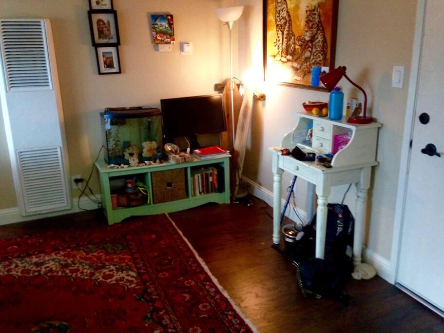 living room space, book shelf