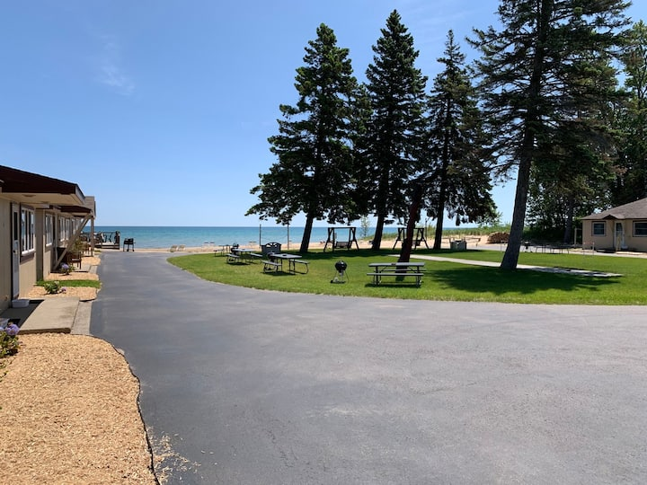 Lake Huron Resort · Private Beach Cottage No. 9