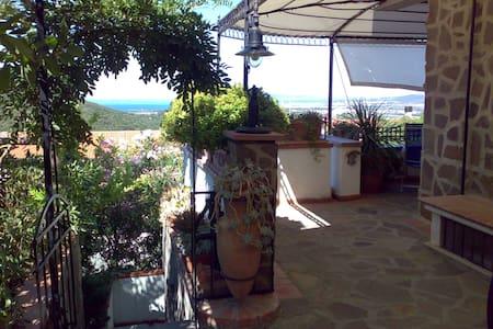 Casa Stella Maremma Toscana vista mare sull'Elba - Zona 167 Scarlino