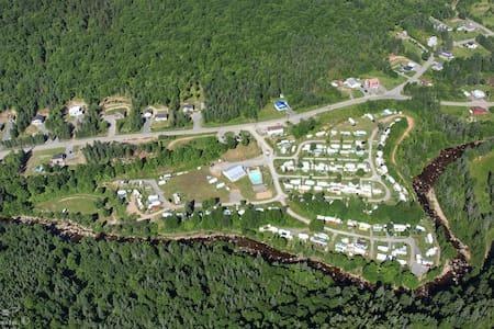 Caravan Camping DRM - Sainte-Brigitte-de-Laval - รถบ้าน/รถ RV